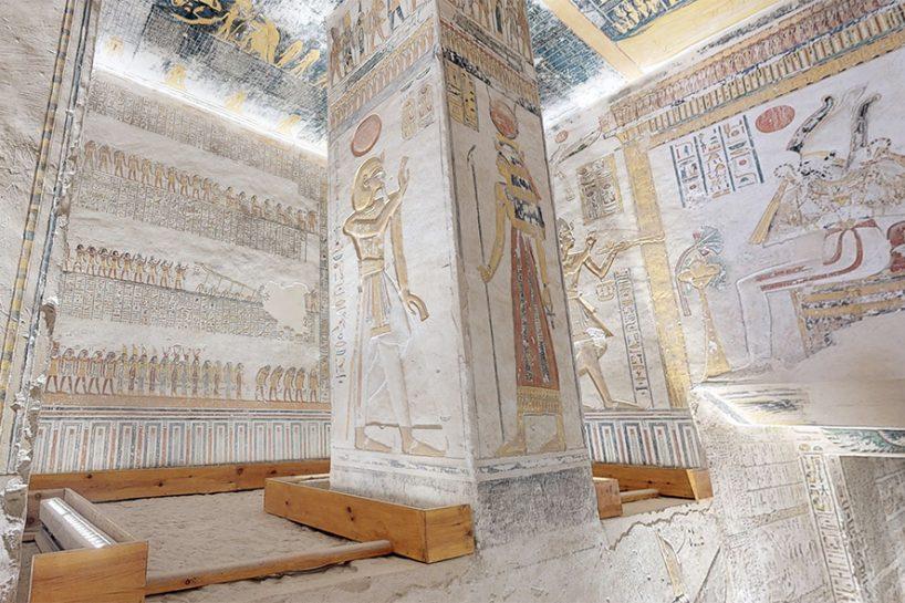 tomb-5